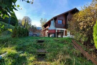 Chalet en bois à Lotharingen avec jardin meublé