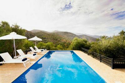 Belle villa près de la mer à Epano Sisi