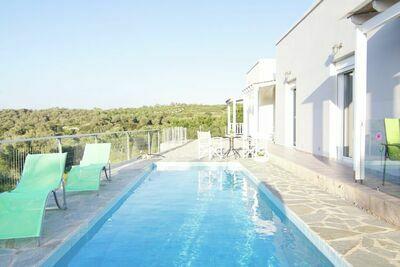Maison de vacances paisible à Agia Triada avec piscine
