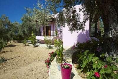 Villa spacieuse avec jacuzzi à Sfakaki, Grèce