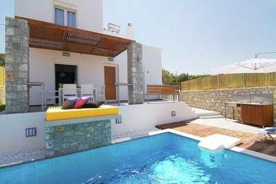 Villa luxueuse à Loutra avec piscine privée