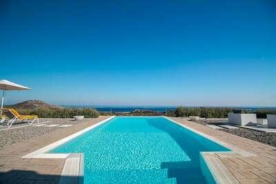 Villa de luxe près de la mer à Kalithies avec jacuzzi