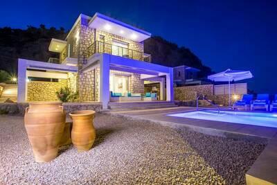 Belle villa près de la mer à Kalithies