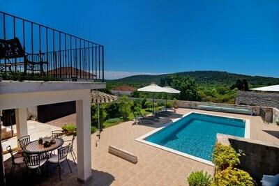 Une charmante villa dalmate à Grohote