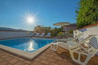 Luxueuse maison de vacances à Grižane avec piscine