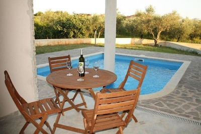 Luxueuse maison de vacances à Novigrad avec piscine privée