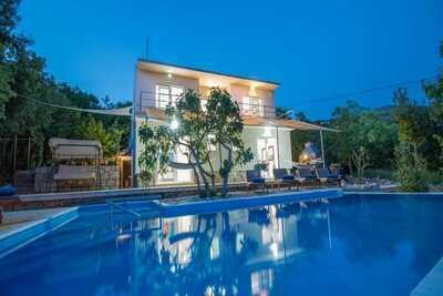 Villa de charme à Crikvenica avec piscine