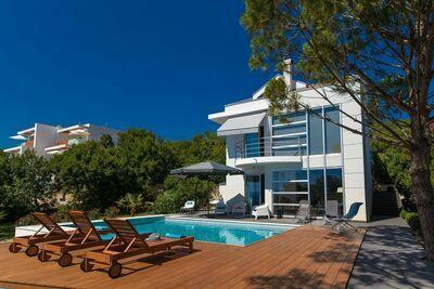 Villa moderne avec piscine privée à Dramalj