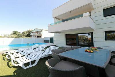 Charmante villa à Seline avec piscine privée