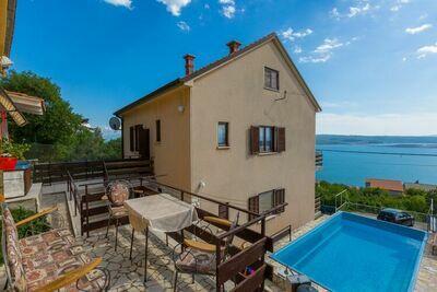 Maison de vacances originale à Dramalj avec vue sur la mer