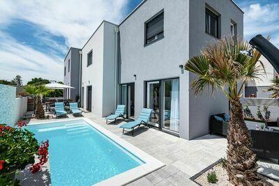 Villa moderne à Zaton avec piscine
