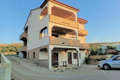 Maison de vacances moderne en Dalmatie avec terrasse privée