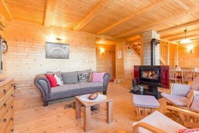Maison de vacances spacieuse à Ravna Gora avec terrasse