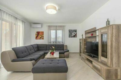 Villa paisible à Fuškulin avec piscine