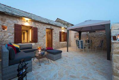 Maison de vacances à la campagne à Šopot avec piscine privée