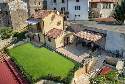 Maison de vacances moderne à Višnjan Croatie avec piscine
