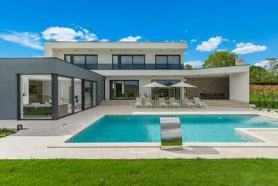 Splendide villa avec piscine à Kringa en Croatie