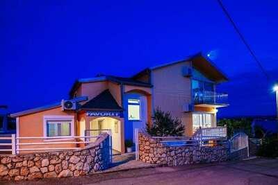 Belle maison de vacances à Maslenica près de la plage