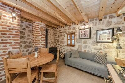 Charmante maison de vacances avec jardin à Starigrad