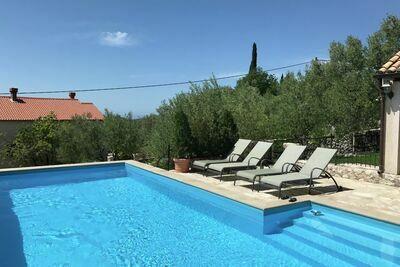 Villa authentique avec piscine à Gruda