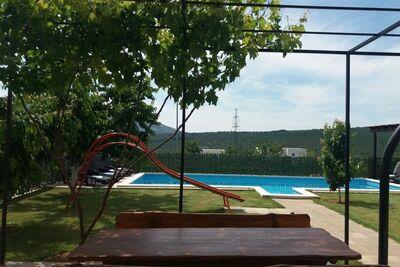 Charmante maison de vacances à Koprivno avec piscine