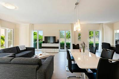Villa de luxe à Splitska avec piscine