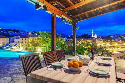 Villa de charme avec piscine privée à Sumartin