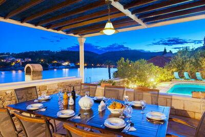 Belle villa avec piscine privée à Selca