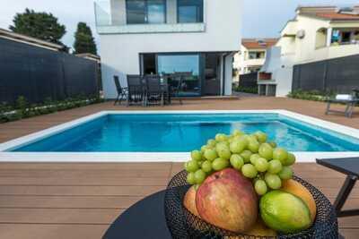 Villa de luxe à Pakoštane avec piscine