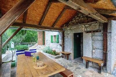 Belle maison de vacances à Starigrad avec jardin