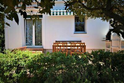 Maison de vacances confortable à Mandre avec jardin