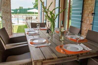 Superbe villa avec piscine à Ježenj