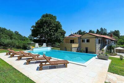 Charmante Villa à Heki avec piscine
