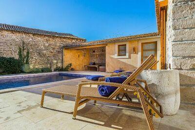 Magnifique villa avec piscine privée à Ližnjan