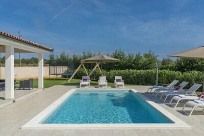 Villa moderne à Marcana avec piscine