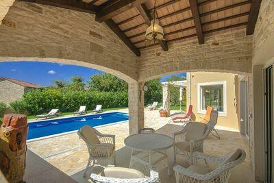 Villa paisible à Sveti Lovrec avec Piscine