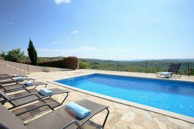 Villa individuelle à Baredine avec piscine