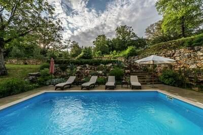 Belle villa à Zoricici avec piscine