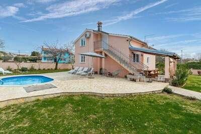 Villa luxueuse à Kaštelir-Labinci avec piscine