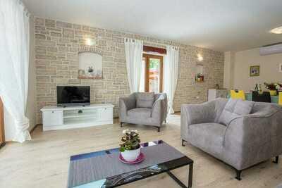 Villa moderne à Rojci avec piscine
