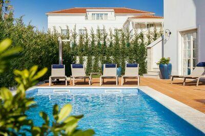Luxueuse villa avec piscine à Vabriga