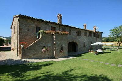 Manoir moderne avec piscine à Pian di San Martino