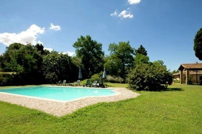Maison de vacances spacieuse avec piscine à Ghizzano