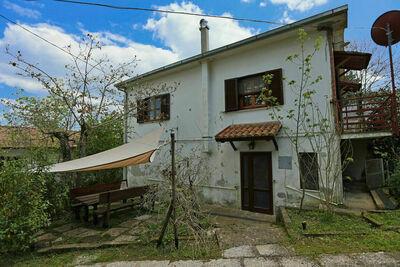 Maison de vacances confortable à Val Canina avec jardin