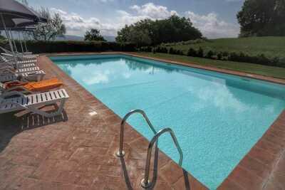 Ferme de charme à Proceno avec piscine