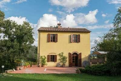 Maison de vacances typique à Rosignano Marittimo avec jardin