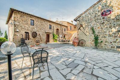 Villa tendance à Montalcino   avec piscine privée