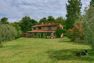 Villa rurale avec piscine chauffée, grande terrasse et belles vues