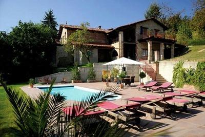 Villa de luxe à Bastia Mondovì, avec piscine
