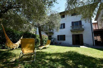 Villa luxueuse à Marone avec jardin